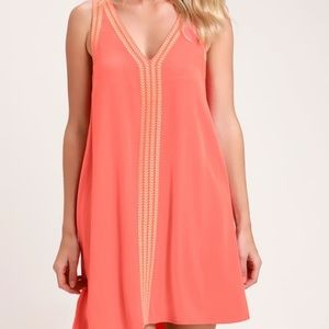 NWT Lulus Coral Embroidered Shift Dress
